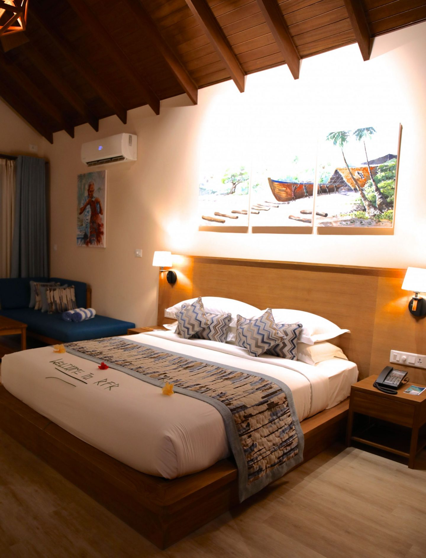 Deluxe Beach Villa room, Reethi Faru Resort, Raa Atoll, The Maldives, Katie KALANCHOE, Katie Heath
