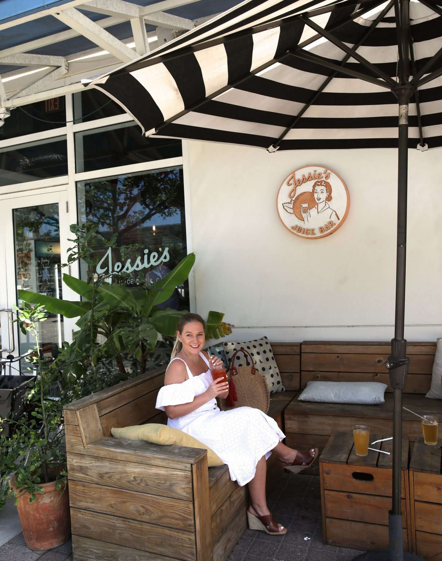 Jessie's Juice Bar, Grand Cayman, The Cayman Islands, Katie Heath, KALANCHOE