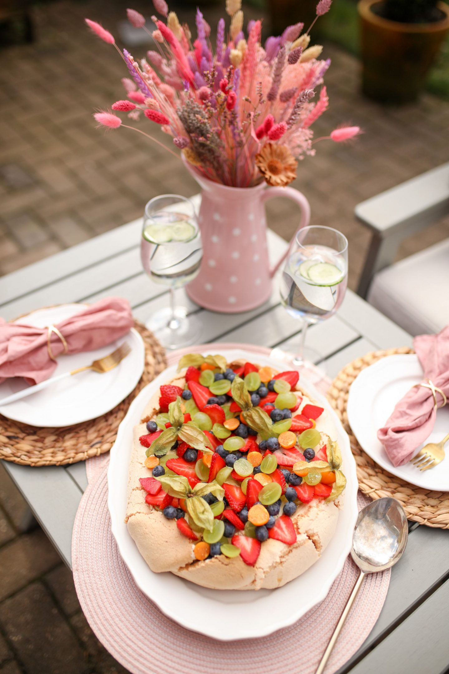 Fruit Pavlova with Passion Fruit Cream, Katie Heath, KALANCHOE