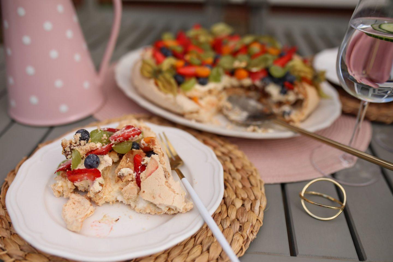 Fruit Pavlova with Passion Fruit Cream, Katie Heath, KALANCHOE